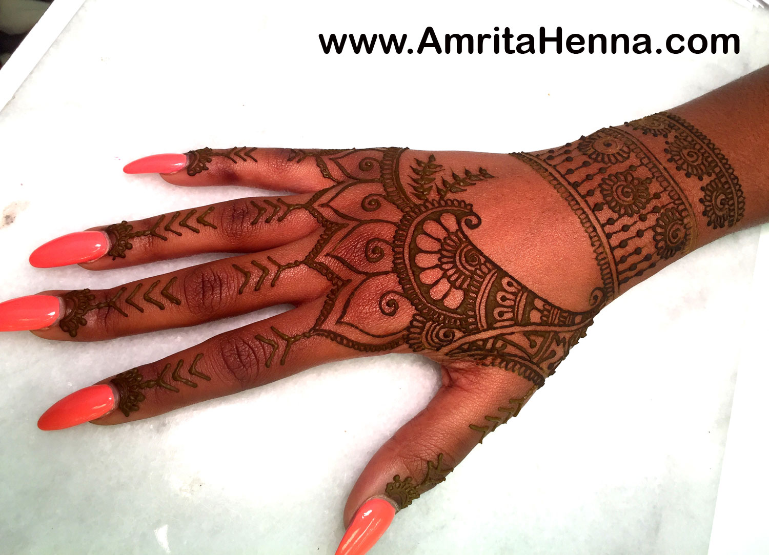 Mehndi For The Inspired Artist : Best henna design inspired by rihanna tribal hand tattoo