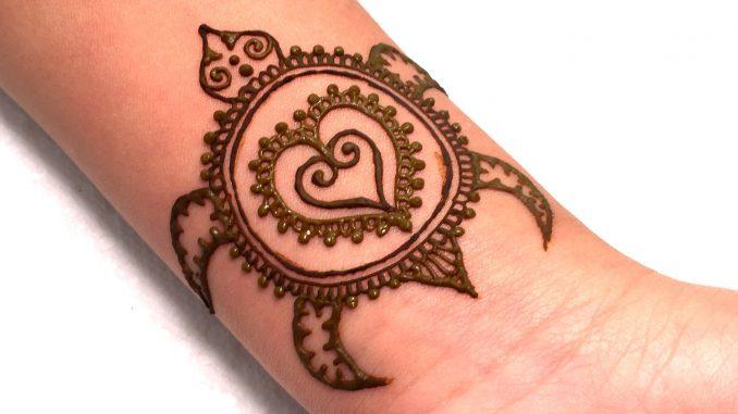 Cute Mehndi Tattoo : Beautiful girly finger tattoos
