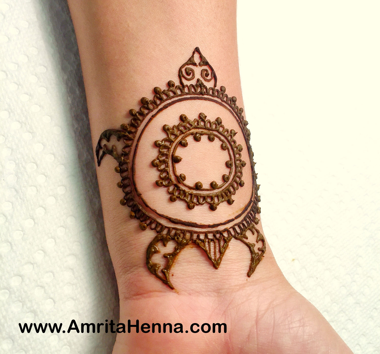 Easy Henna Turtle Design - Simple and Quick Turtle Design for Mehndi Artists - Cute Henna Turtle Design for Kids - Best Mehendi Turtle Design Idea - Henna Drawings