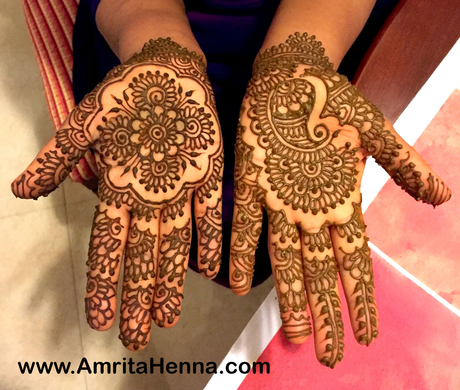 Mehendi Ceremony Look : Top henna designs for your engagement ceremony
