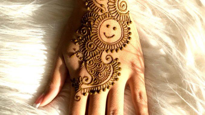 Mehndi Wrist Joint : Best smiley face henna design tattoo mehndi art by amrita