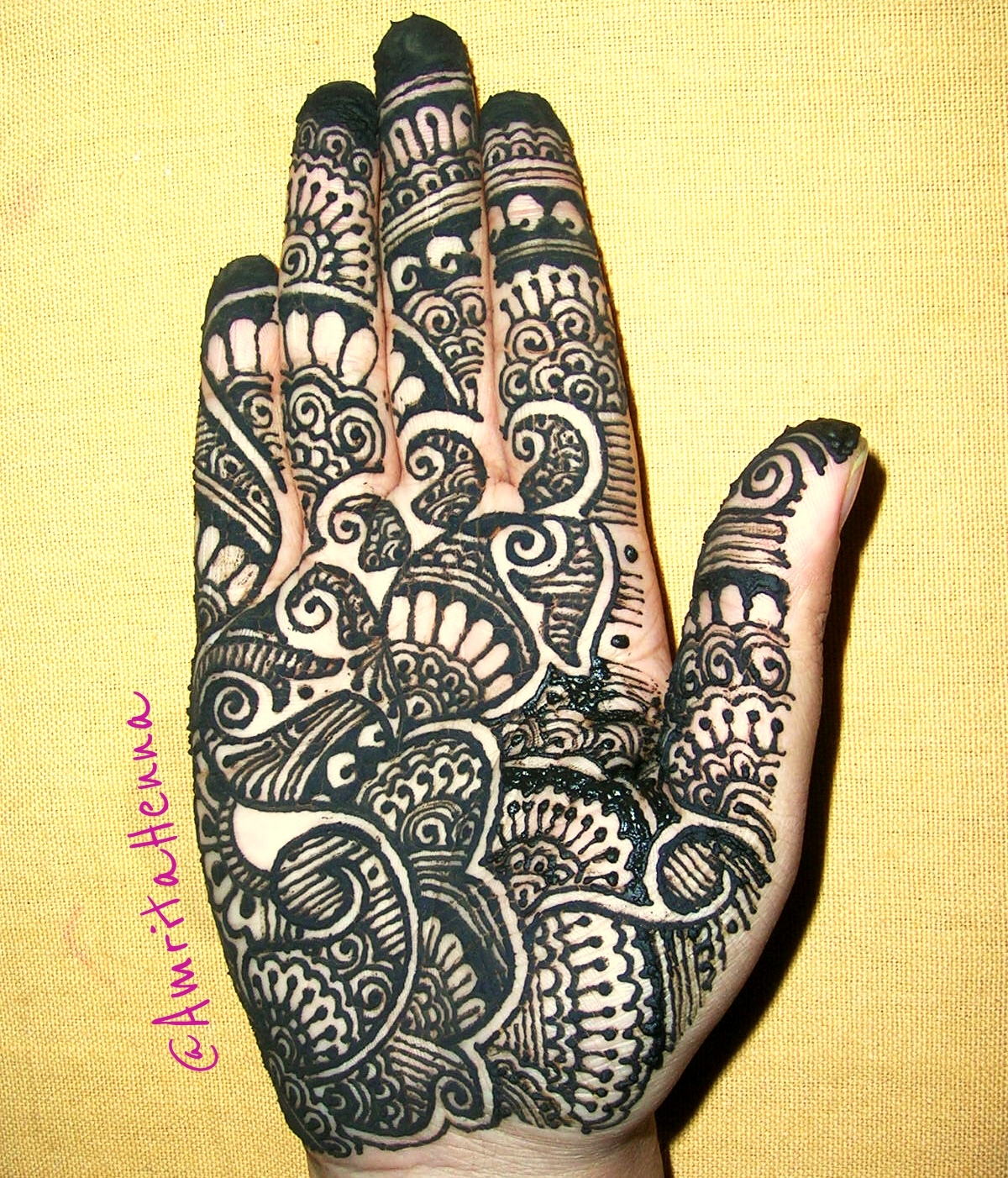 top 10 must try full hand henna designs henna tattoo mehndi art by amrita. Black Bedroom Furniture Sets. Home Design Ideas