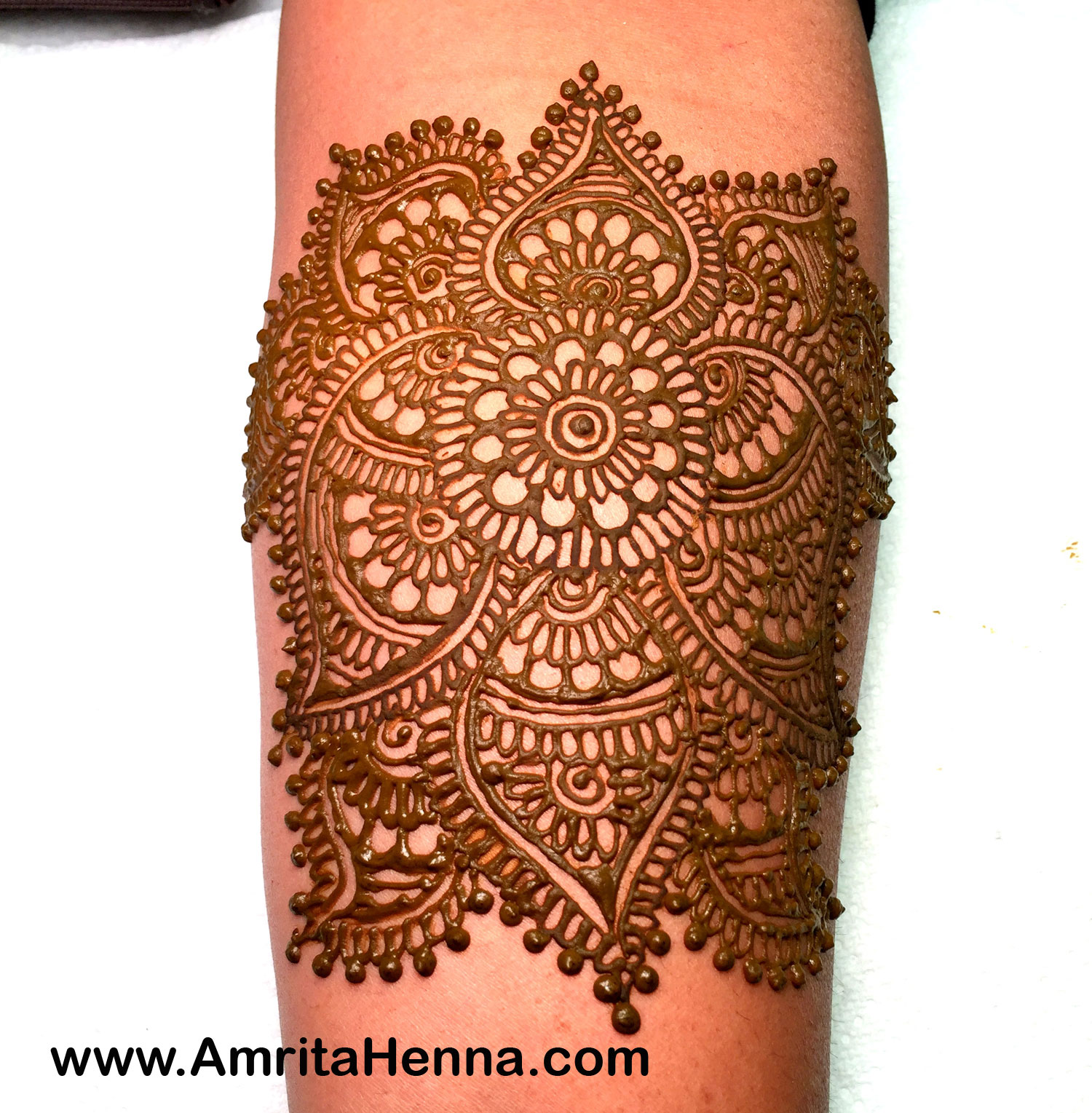 Lotus Henna Designs - Top 5 Henna Lotus Designs - Best 5 Lotus Design Mehendi Pictures you cant miss - 5 Stunning Lotus Mehndi Designs for your Wedding - 5 Amazing Lotus Flower Henna Designs - 5 Must Try Lotus Mehandi Henna Designs for you - Cool Lotus Henna Designs for your Best Friend's Wedding - Latest Henna Tattoo Designs Lotus Flower - 5 Most Popular Wedding Season Lotus Flower Henna Mhendi Designs