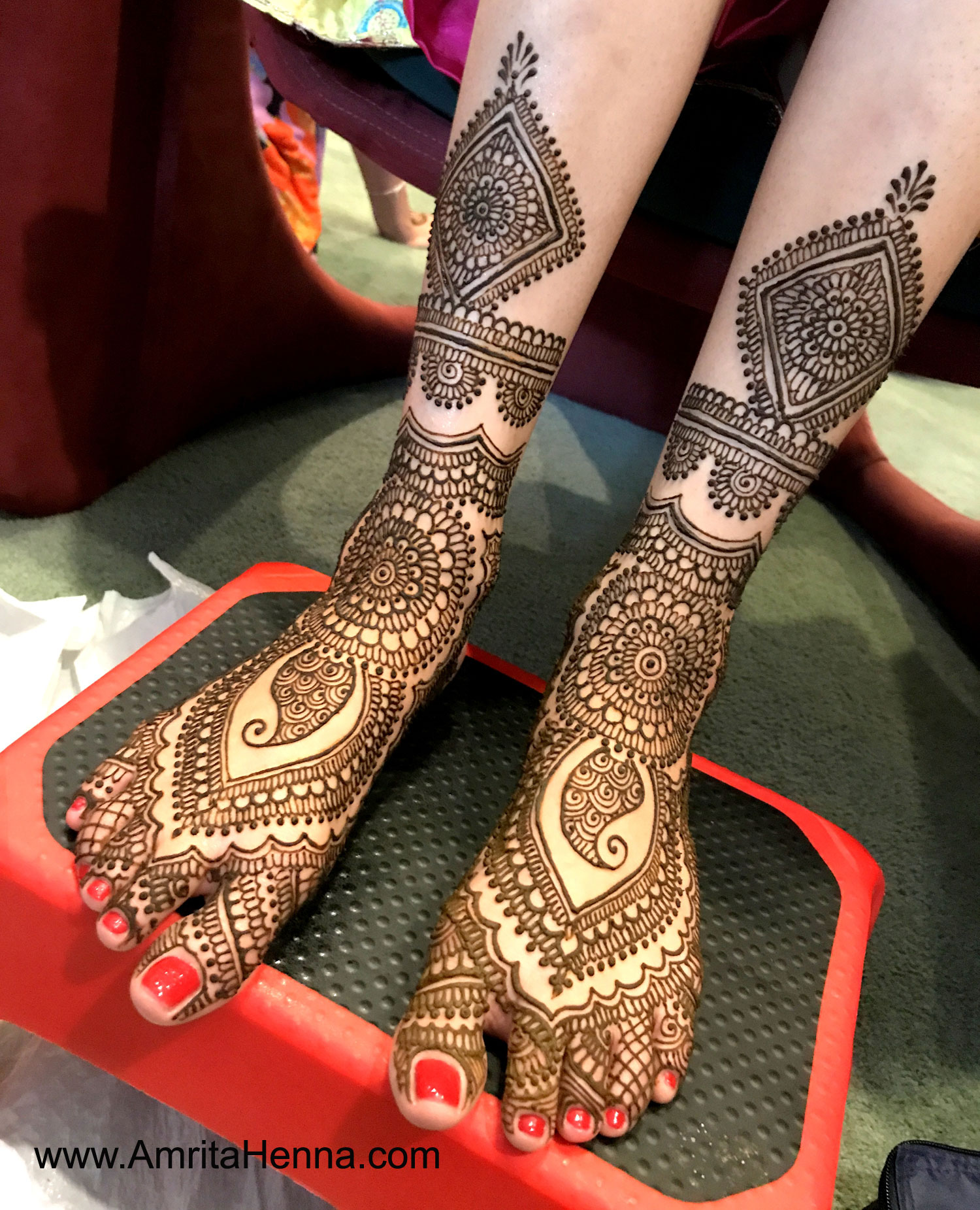 TOP 10 LATEST BRIDAL FEET HENNA DESIGNS , HENNA TATTOO