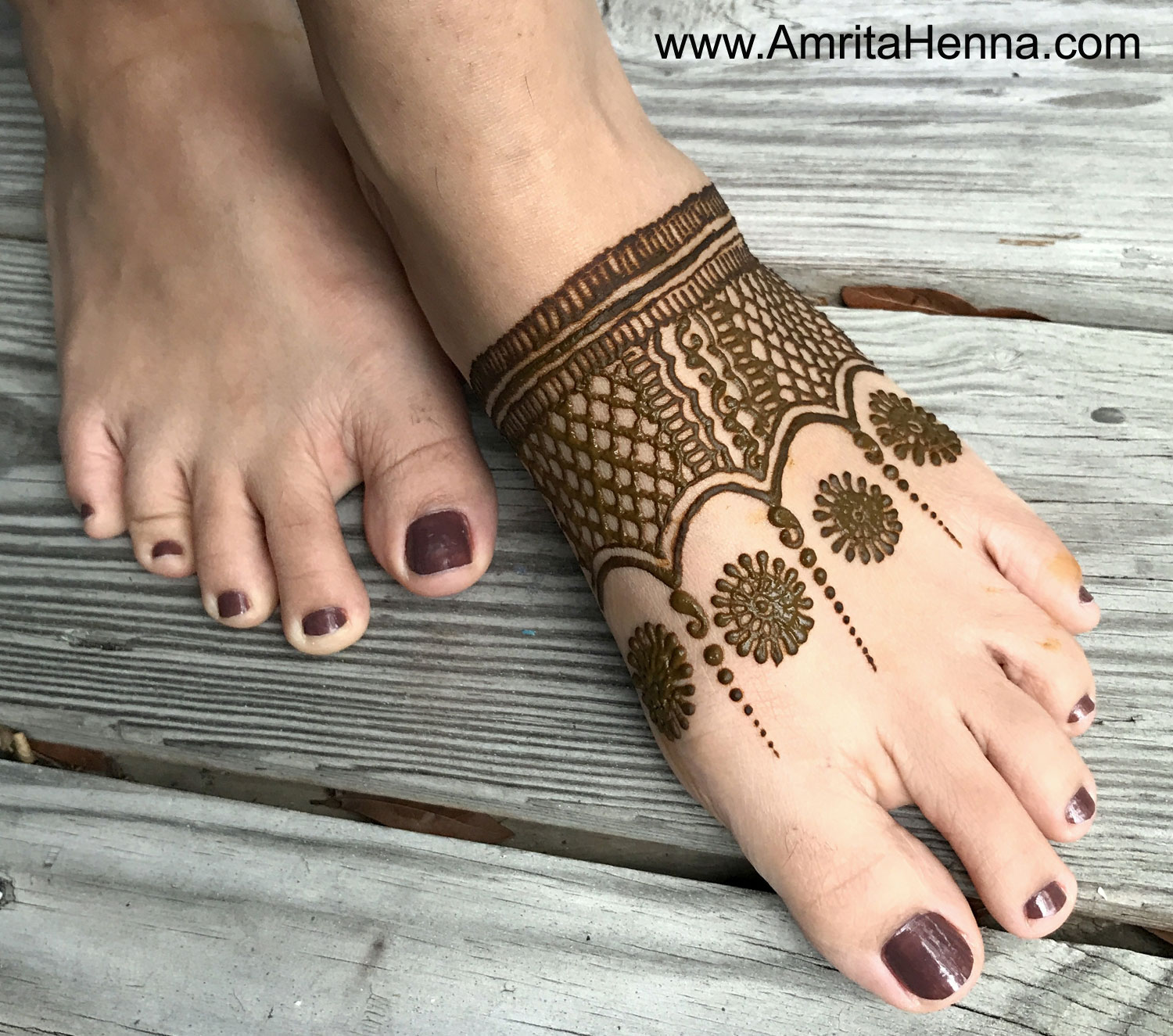 TOP 5 EASY FEET HENNA DESIGNS - 5 MUST TRY MEHNDI DESIGNS FOR FEET - 5 SIMPLE AND EASY MEHENDI DESIGNS FOR THE FEET - TOP 5 SIMPLE FEET MEHANDI DESIGNS - BEST FEET MEHNDI DESIGNS - 5 AWESOME FEET HENNA DESIGNS FOR BEGINNERS - TOP 5 LATEST FEET MEHENDI DESIGNS FOR BEGINNERS - TOP 5 BEST FEET MEHANDI DESIGNS FOR BEGINNERS - FEET HENNA DESIGNS - UNIQUE FEET HENNA DESIGNS FOR BEGINNERS - TOP 5 QUICK FEET HENNA DESIGNS - QUICK MEHENDI DESIGNS FOR THE FEET