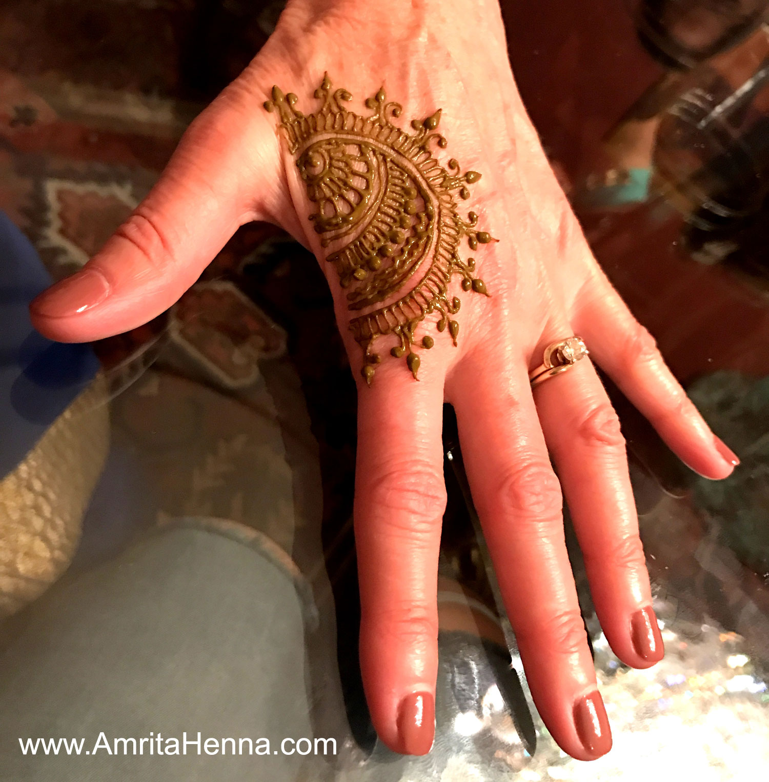 TOP 10 EASY HENNA DESIGNS THAT YOU CAN DO IN 2 MINUTES - 10 BEST DIY MEHNDI DESIGNS THAT ARE QUICK AND EASY - TOP 10 SIMPLE AND QUICK HENNA MEHENDI DESIGNS FOR BEGINNERS - DIY EASY 2 MINUTE HENNA TATTOO DESIGNS - TOP 10 MEHANDI DESIGNS FOR STARTERS THAT ARE EASY AND QUICK -  TOP 10 EASY AND BEAUTIFUL 2 MINUTE HENNA DESIGNS FOR KIDS - TOP 10 EASY AND QUICK DIY 2 MINUTE HENNA DESIGNS