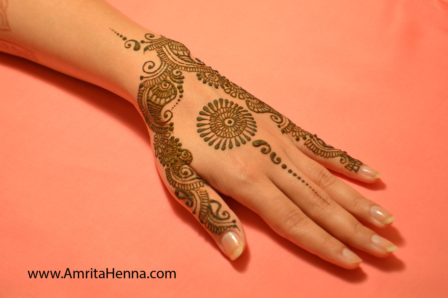 Mehndi Designs 2018 : Top trendy and stylish henna designs