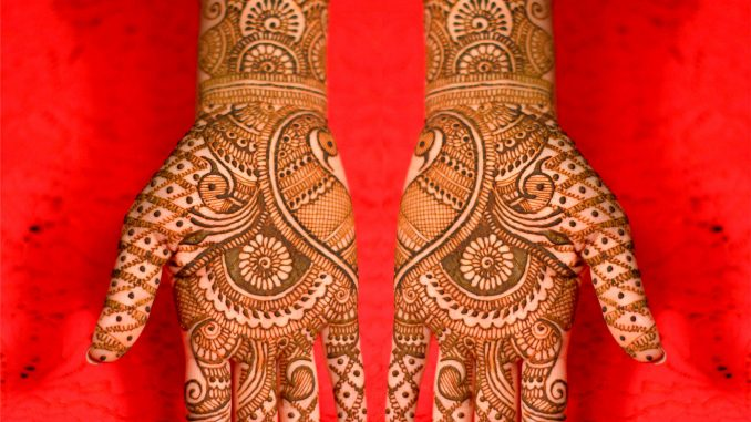 Mehndi Hands Designs : Top 10 traditional henna mehndi designs for karva chauth