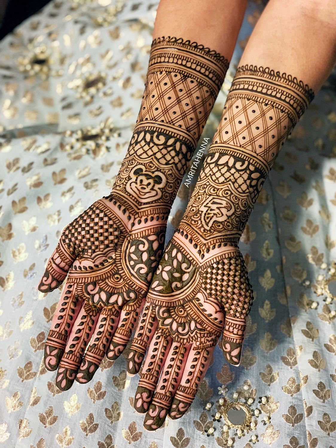 TOP 10 LATEST BRIDAL MEHNDI TRENDS FOR THIS WEDDING SEASON - 10 BEAUTIFUL BRIDAL MEHENDI DESIGNS 2019 - 10 BEST DULHAN MEHANDI DESIGNS FOR YOU