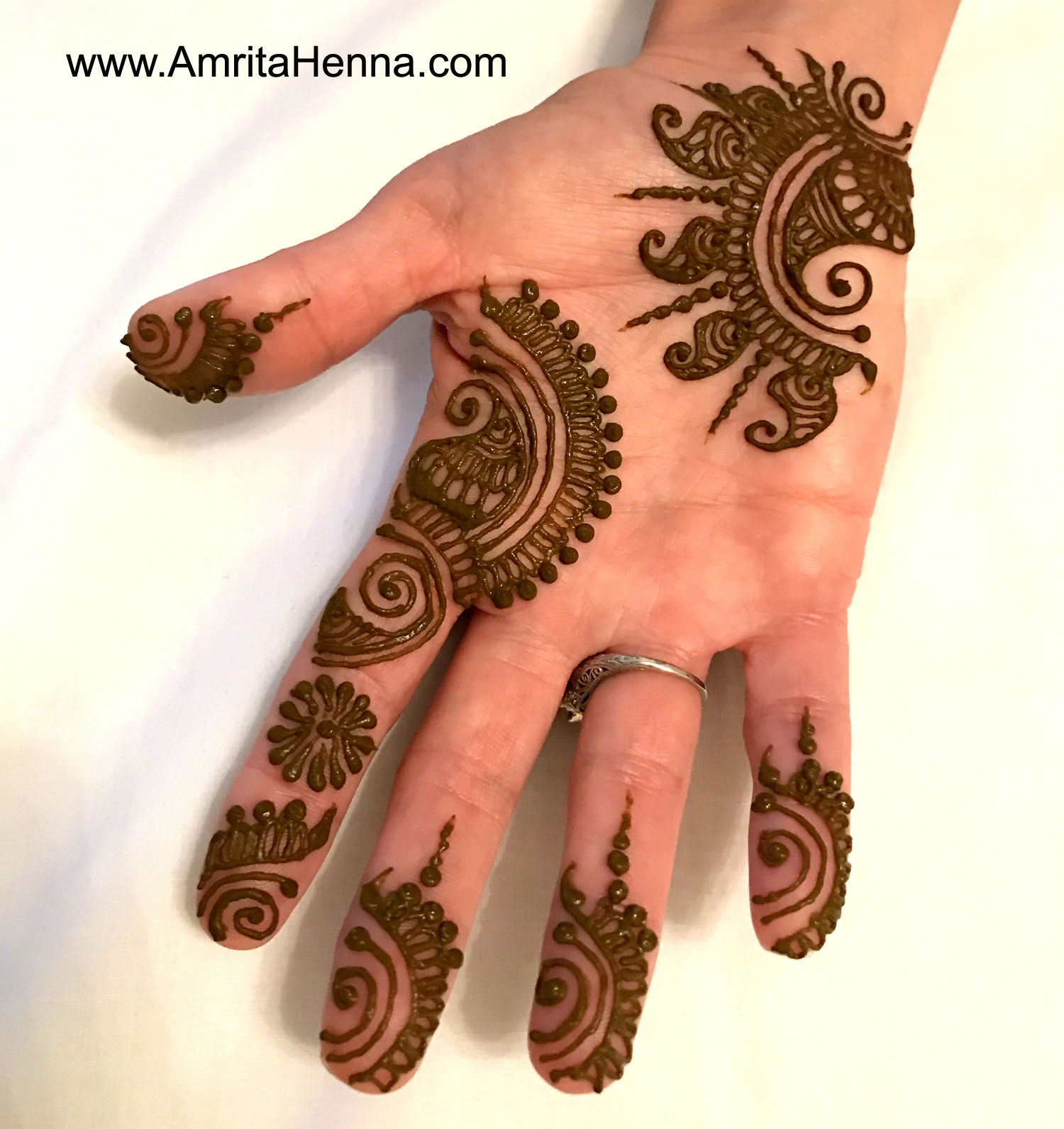 TOP 10 PARTY HENNA DESIGNS - 10 BEST MEHNDI DESIGNS FOR A BACHELORETTE PARTY - 10 STUNNING BACHELORETTE PARTY MEHENDI DESIGNS - TOP 10 MUST TRY BACHELORETTE PARTY HENNA DESIGNS - 10 COOL MEHANDI DESIGNS FOR YOU WHEN YOUR FRIENDS THROW A BACHELORETTE PARTY - GIRLS NIGHT HENNA DESIGNS - HENNA DESIGNS FOR A GIRLS PARTY - TOP 10 GIRLS PARTY MEHNDI DESIGNS - TOP 10 HENNA DESIGNS FOR THE BRIDE-TO-BE BASH - 10 BEAUTIFUL HENNA DESIGNS FOR YOUR BACHELORETTE BASH - WEDDING HENNA DESIGN IDEAS - TOP 10 PARTY MEHNDI IDEAS